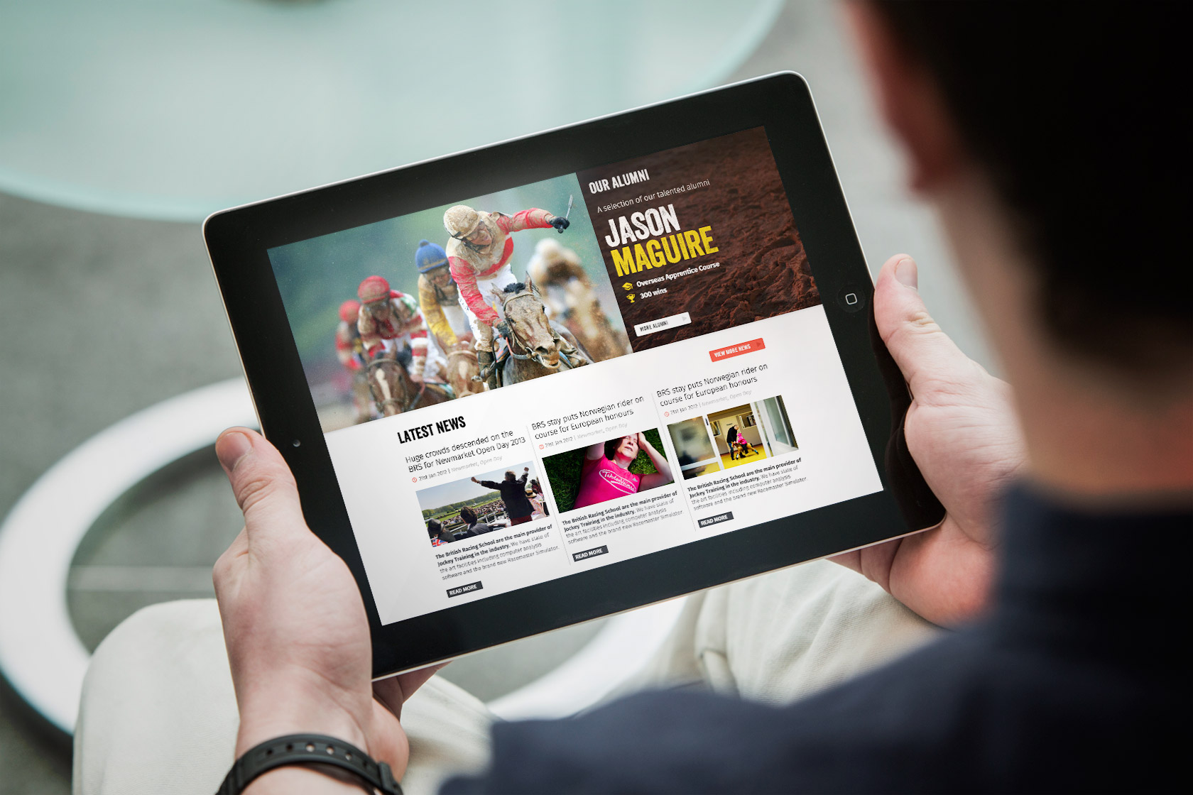The site is totally responsive and adapts to any digital environment.